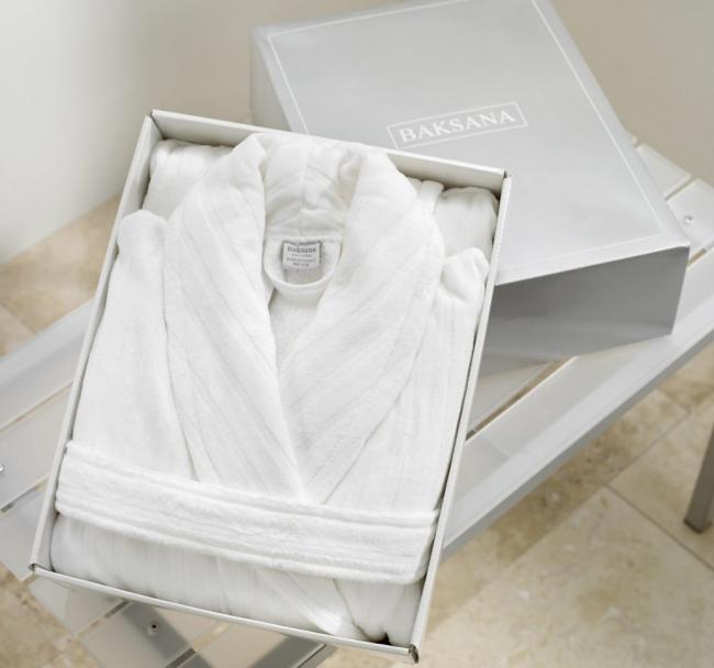 Luxury Hotel Bathrobe White