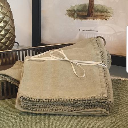 Linen Table Napkins ARMY GREEN - Tassle Edging