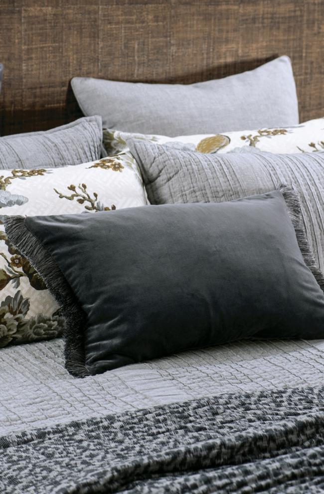 Velvet Cushion TRAMONTO Graphite