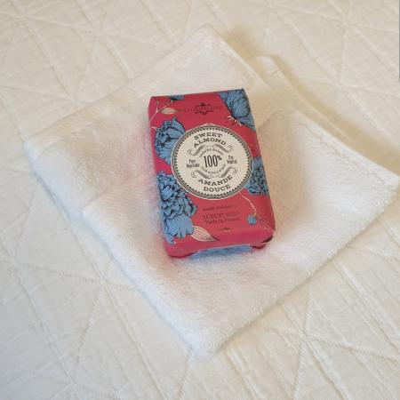 French Soap La Chatelaine AMANDE